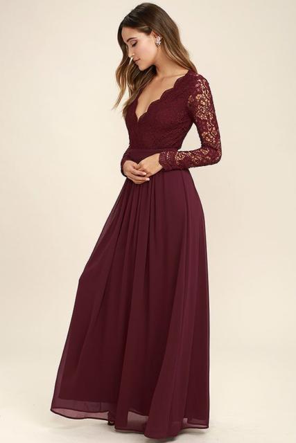 vestido com renda nas mangas