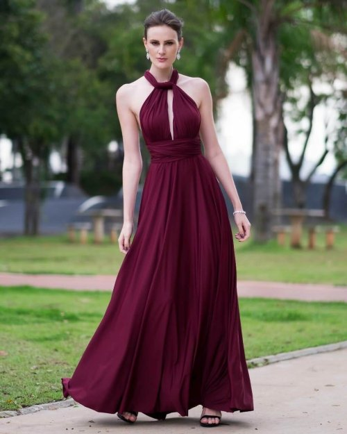 vestido longo com decote