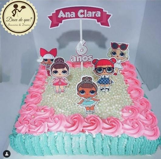 bolo quadrado azul e rosa