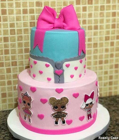 bolo decorado de 2 andares