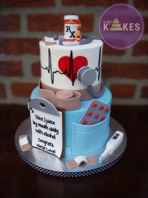 Ideia de bolo grande para enfermeiros