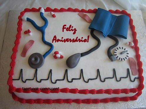 Bolo de aniversário para enfermeiros