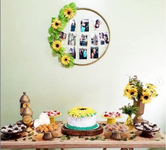 Decoração simples de festa com tema Girassol