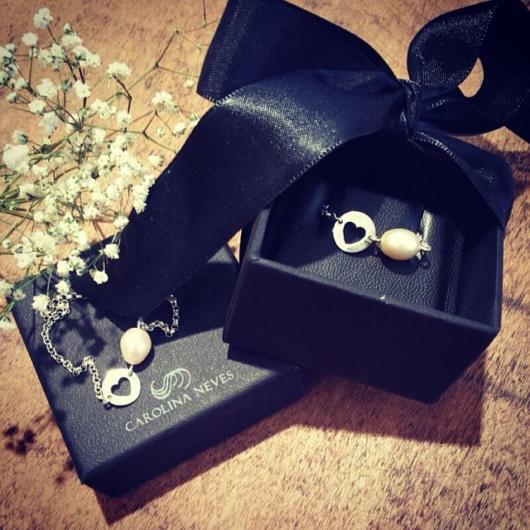 Caixinha de presente para madrinhas com pulseira
