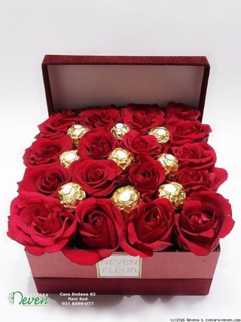caixa surpresa com flores