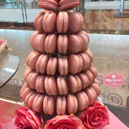 Torre de macaron vermelho metalizado