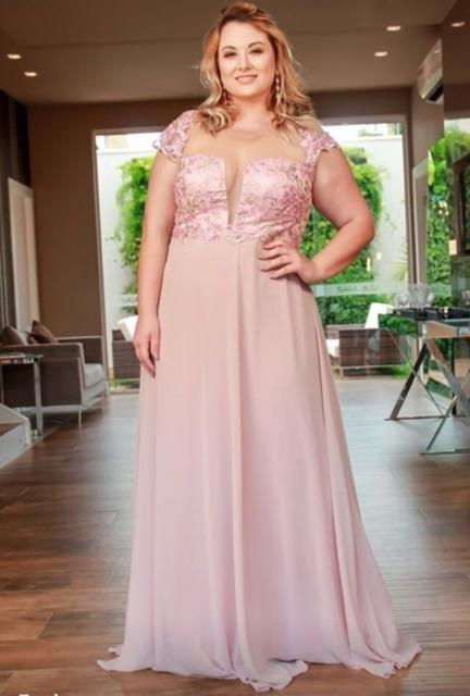 vestido plus size rosa para madrinhas