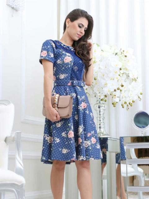 vestido estampado de festa curto floral com mangas