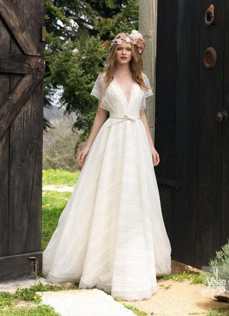 vestido para ensaio pré-wedding no campo