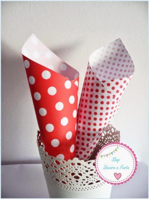 Cone de papel com estampa de poá