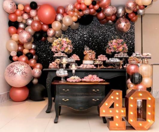 Festa 40 anos: com balões metalizados
