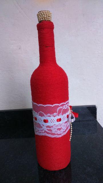 Garrafas decoradas vermelho e branco