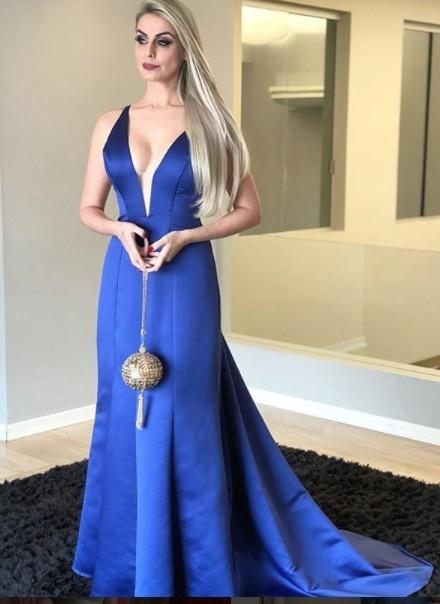 Vestido de madrinha azul royal
