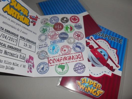 Convite Super Wings como passaporte.