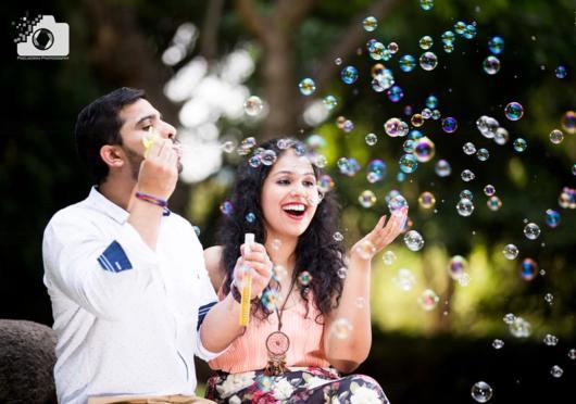 Pré-wedding: criativo com bolinhas de sabão