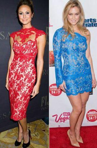 vestido de festa estampado com renda azul e vermelha