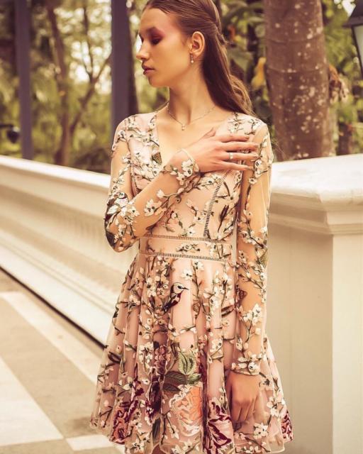 vestido de festa estampado tule cor da pele
