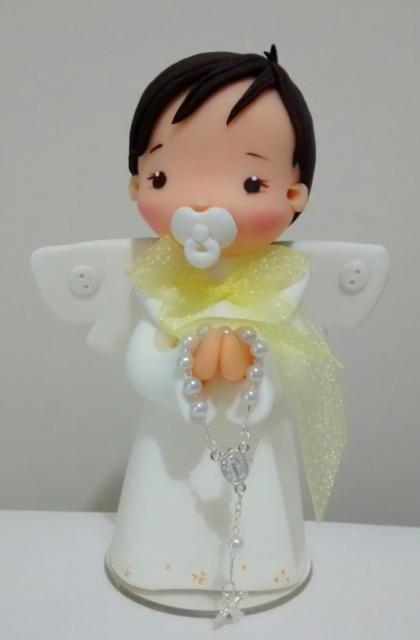 topo de bolo batizado bebê orando