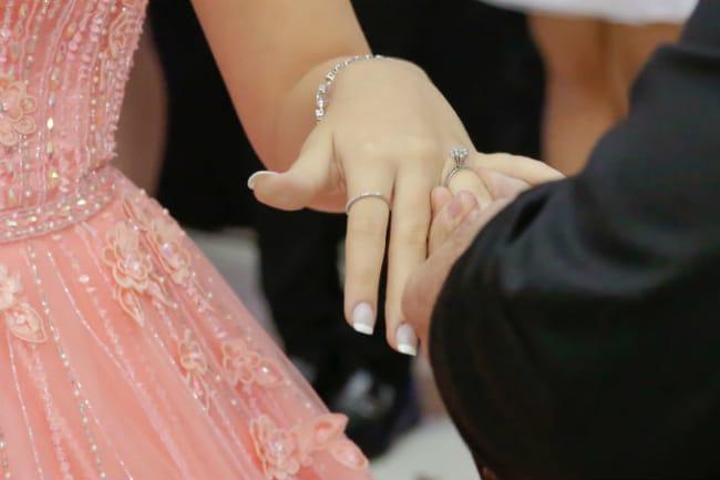 tradição anel de debutante