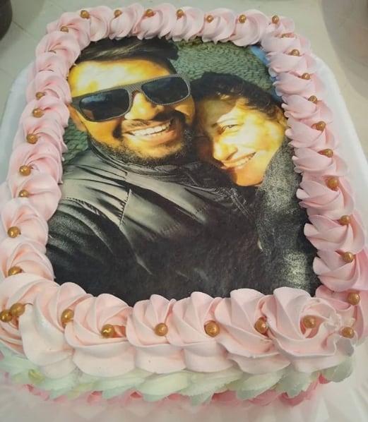 bolo decorado com papel de arroz de foto