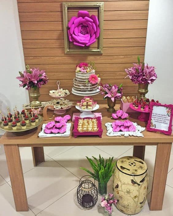 festa com decoração cor de rosa