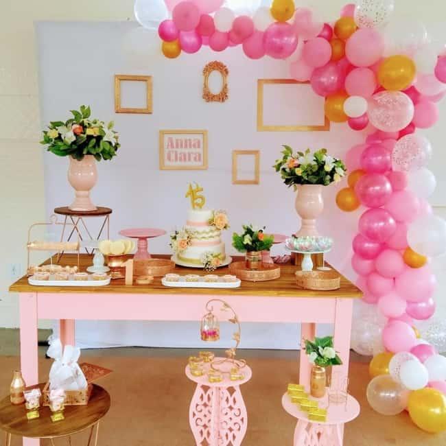 decoração rosa e dourado festa de debutante