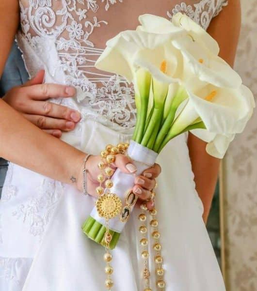 buquê noiva com terço