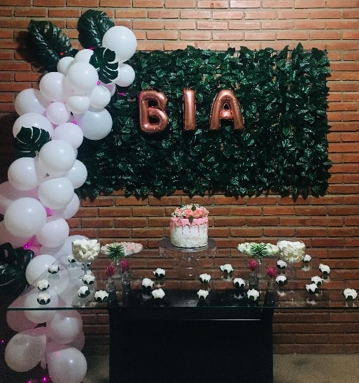 festa barata decorada com balões