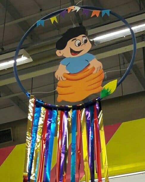 decoração com fitas para festa junina