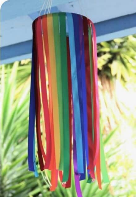 decoração colorida com bambolê