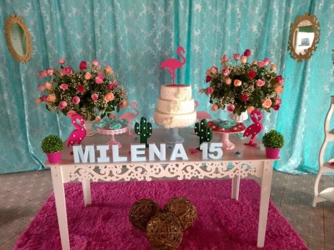 decoração flamingo aniversário simples