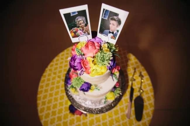 topo de bolo com fotos polaroid