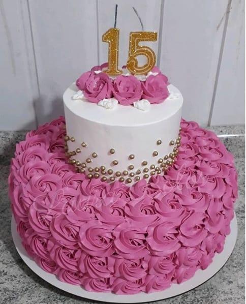 bolo de chantilly de 2 andares