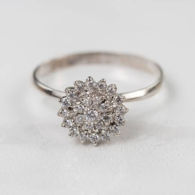 anel chuveirinho em ouro branco