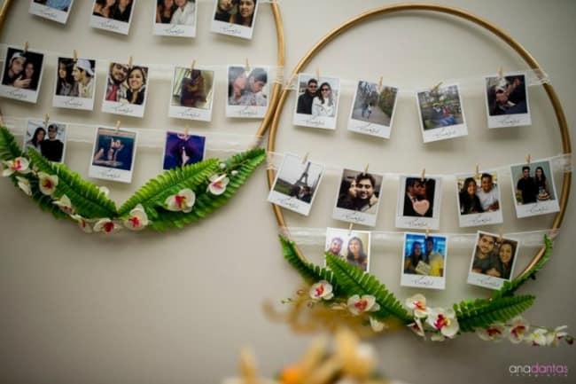 decoração simples com fotos em bambolê