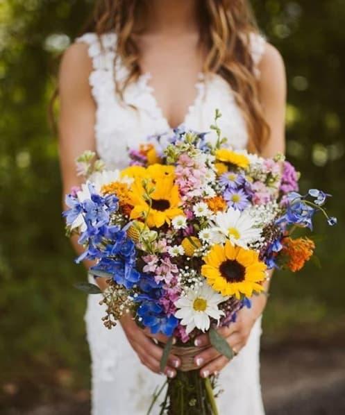 buquê para casamento no campo