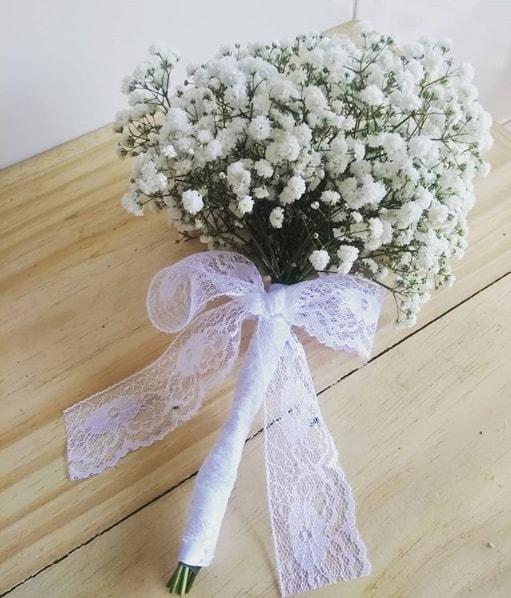buquê de noiva simples e barato