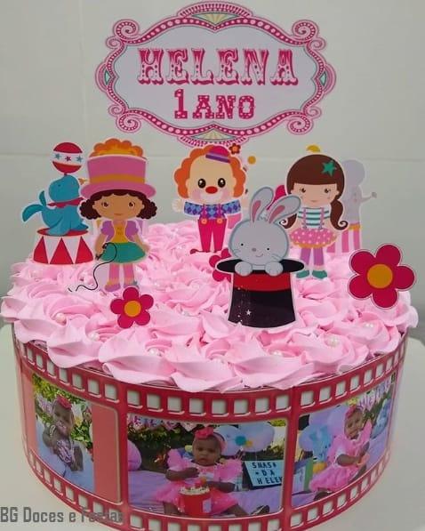 bolo infantil decorado com chantilly