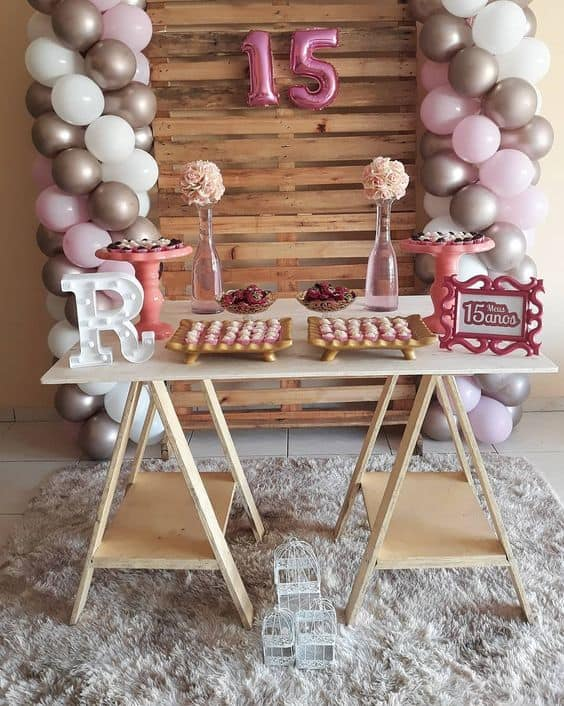 festa decorada com pallets