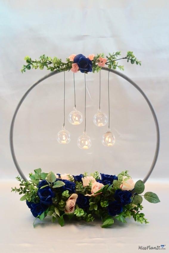 bambolê decorado com flores artificiais