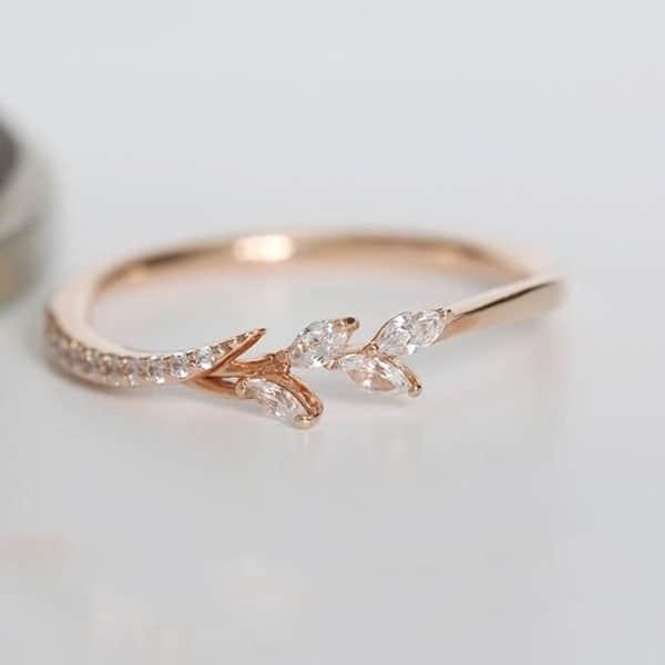 anel delicado em ouro rosé