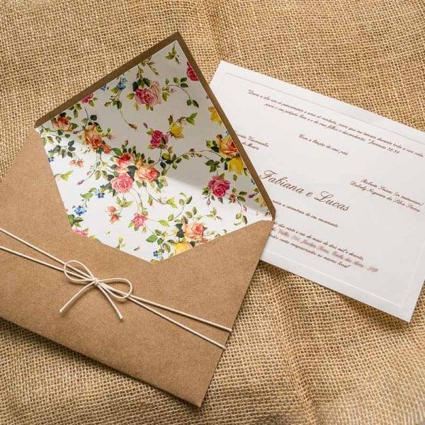 Convite para casamento rústico com envelope florido