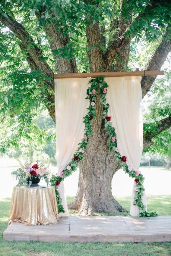 Decoração simples em casamento rústico