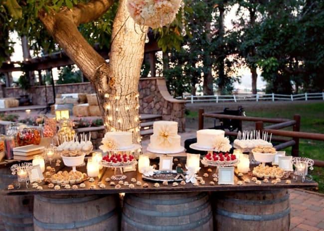 Mesa de doces para casamento rústico