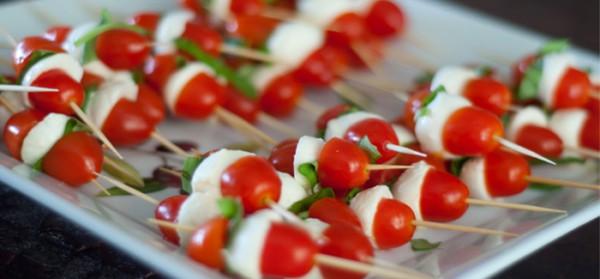 Tomatinhos com queijo