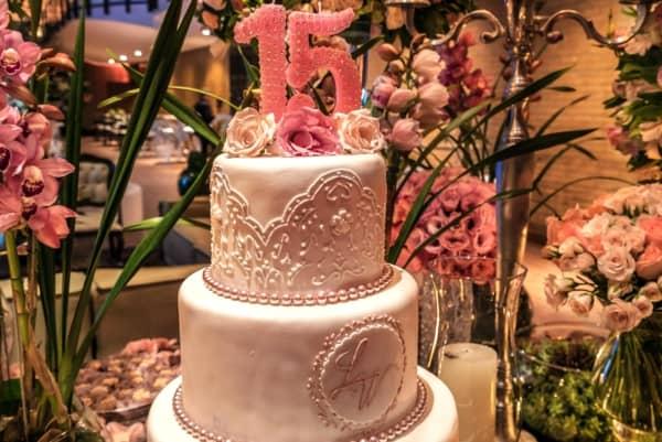 Topo de bolo 15 anos número decorado