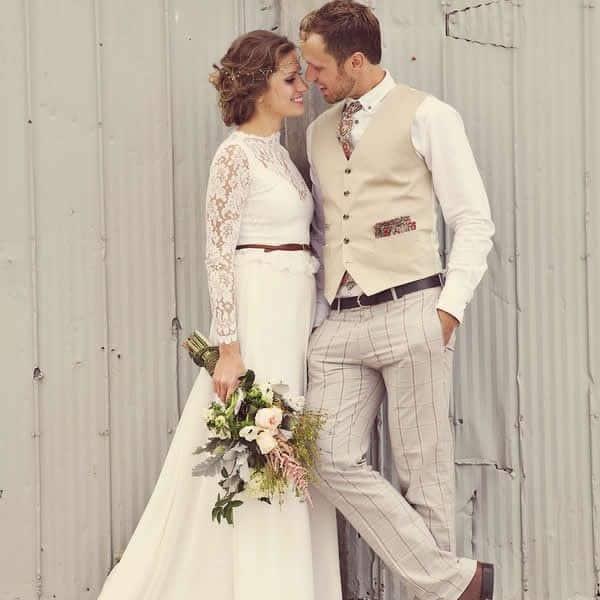 Traje do noivo para casamento rústico