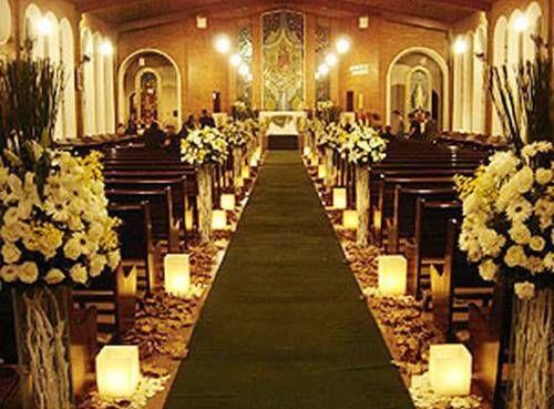 Velas na decoração da igreja