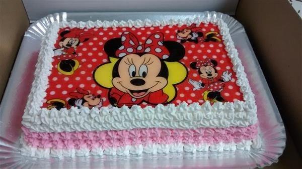 bolo com papel de arroz quadrado da minnie vermelha