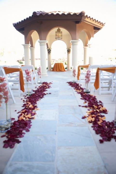 casamento ao ar livre de dia clássico